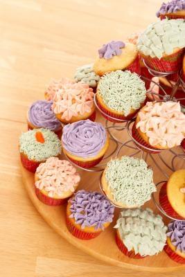 Ideas para ahorrar espacio de exhibición en una venta de pasteles