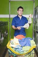 Cómo quitar la camiseta del tinte Desde un sujetador