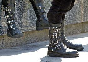 Cómo hacer botas de cuero medievales