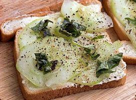 Cómo hacer un sándwich abierto Ante pepino