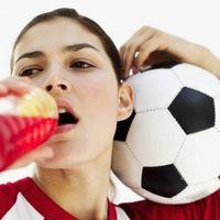 Cómo hacer una bebida hecha en casa Deportes