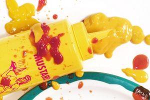 Cómo quitar las manchas amarillas Uso del lápiz Tide