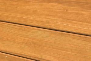 ¿Cómo puedo evitar arañazos en pisos de madera Desde perro Nails?