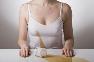 Cómo quitar una mancha de café con crema