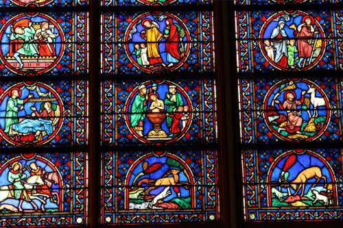 ¿Qué estilo de la arquitectura se ha seguido para la catedral de Notre Dame de Paris?
