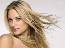 Cómo alisar el cabello con una plancha alisadora