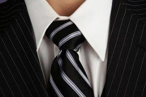 Cómo atar un nudo de corbata grande