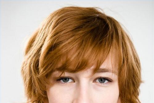 Cómo utilizar de dos tonos luminosidad para añadir volumen al plano del pelo